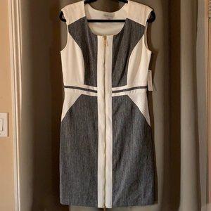 ♥️SANDRA DARREN Gray and White Sheath Dress
